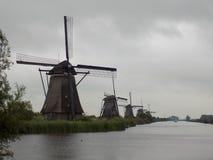 Väderkvarnarna av Nederländerna arkivfoton