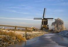 Väderkvarnen 'Kleine Tiendweg molen', Royaltyfri Fotografi
