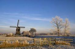Väderkvarnen 'Kleine Tiendweg molen', Royaltyfri Foto