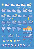 Vädersymboler på blå bakgrund Royaltyfri Foto