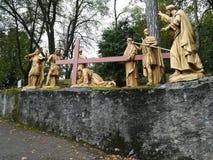 Väg av korset i Lourdes på söderna av Frankrike Fotografering för Bildbyråer