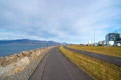 Väg- eller banaväg som är perfekt för cykla eller rittcykel Cykla kultur och infrastruktur Cykeltrans.lätt sätt arkivbilder