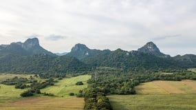 Väg för flyg- sikt till Wat Weyru Wan Temple Province Lopburi Thailand osedda Lopburi Arkivbild