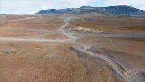 väg för 4K UHD i Island Bil i väg stock video