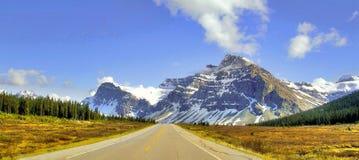 Väg för stenigt berg Arkivfoton