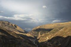 Väg från Cuzco till Abancay Fotografering för Bildbyråer