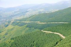 Väg i berg Arkivfoto