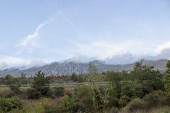 Väg i berg Arkivbild
