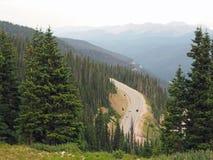 Väg i berg i Colorado Royaltyfri Bild