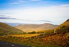 Väg i Connemara, Irland Royaltyfri Bild