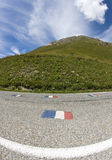 Väg i de franska alpsna. Arkivbilder