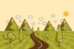 Väg i den gröna dalen, berg, kullar, moln och sol på sken Royaltyfri Foto