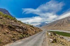 Väg i Himalayas Royaltyfri Fotografi