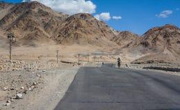 Väg i Ladakh Fotografering för Bildbyråer