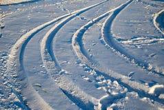 Väg i snön arkivbild