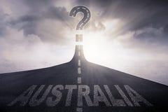 Väg med det Australien ordet och frågefläcken Royaltyfria Bilder
