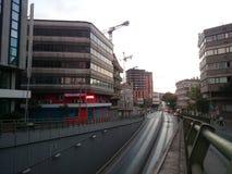väg och konstruktion av moderna byggnader Royaltyfri Foto