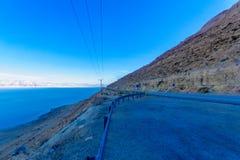 Väg 90 och landskap av det döda havet Arkivfoto