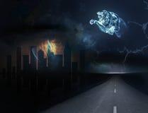 Väg- och stadshorisont på natten Royaltyfria Foton