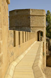 Väg på överkanten av slotten av Alcala Royaltyfria Bilder