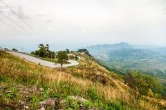 Väg på berg Arkivbild