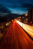 Väg på natten Arkivfoto