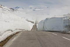 Väg som högt passerar i Norge Royaltyfri Bild