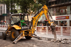 Väg som reparerar arbeten i i stadens centrum Rio de Janeiro Arkivfoton