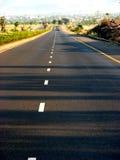 väg straight arkivbild