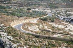 Väg till Azure Window på den Gozo ön, Malta Royaltyfria Foton