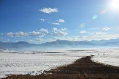 Väg till det Rodopa berget Fotografering för Bildbyråer