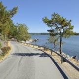 Väg till havet, Nynäshamn - Sverige royaltyfria foton