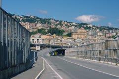 Väg till mitten av Genova Arkivfoto
