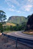 Väg till och med den srilankesiska landssidan Arkivfoton