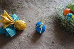 Vägar av målningägg för påsk Arkivfoto
