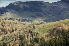 Vägar för bergby Fotografering för Bildbyråer