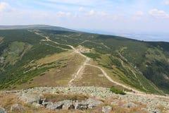 Vägar i de jätte- bergen Royaltyfri Bild