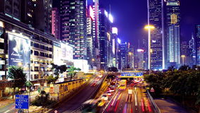 Vägbankfjärd. Hong Kong Night Timelapse. Den breda zoomen ut sköt. lager videofilmer