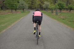 Vägcyklist arkivfoto