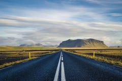 Vägen går någonsin på Fotografering för Bildbyråer