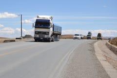 Vägen i Altiplanoen Arkivfoto