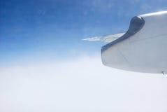 Vägen till himlen i flygplan arkivfoton