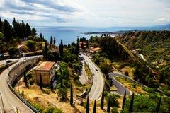 Vägen till Taormina, Sicilien, Italien Arkivbild