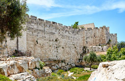Vägg av den gamla staden av Jerusalem Royaltyfri Foto
