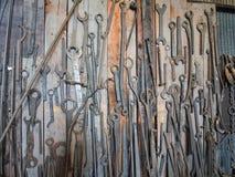 Vägg av skiftnycklar Royaltyfri Bild