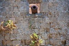 Vägg av slotten för storslagen förlage för riddare. Rhodes. Royaltyfri Fotografi