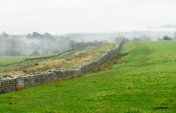 Vägg för Hadrian ` s på Birdoswald, England royaltyfri fotografi
