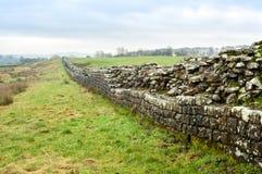 Vägg för Hadrian ` s på Birdoswald, England arkivfoto