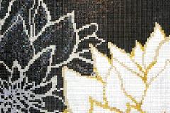 Vägg för kronbladmodellmosaik Royaltyfri Fotografi