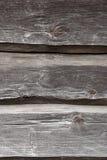 Vägg för landshus från gamla träjournaler Naturlig träbackgrou Arkivfoto